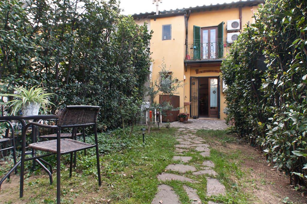 cerca Firenze  Porta A Prato / San Iacopino / Statuto / Fortezza APPARTAMENTO AFFITTO