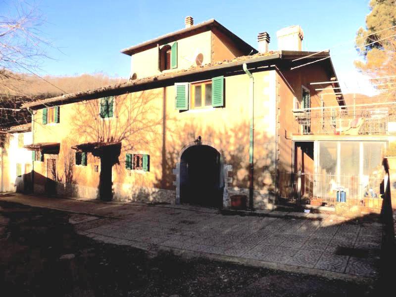 cerca Borgo San Lorenzo  CASALE VENDITA
